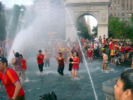 Ejemplo de turistas españoles en Nueva Yotk