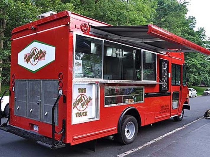 20101016084507_eddies pizza truck_488x366