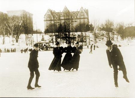 ice-skating-at-72nd-street-lake_central-park